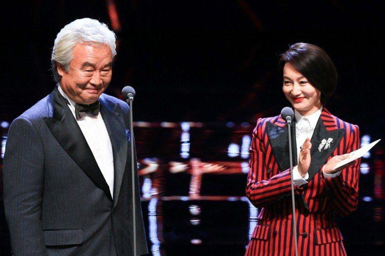 上屆金馬獎影帝涂們在頒發最佳女主角獎項時,一席「中國台灣金馬」發言引發兩岸熱議。...