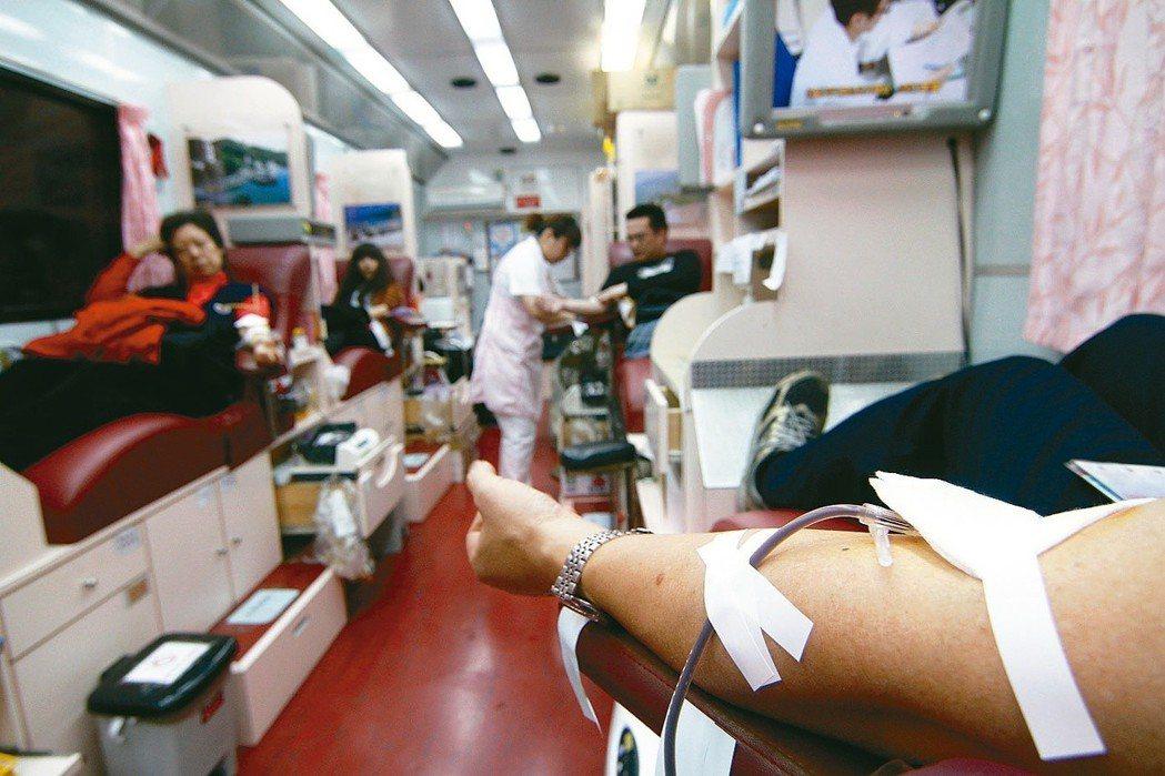 在缺乏數據和研究的情況之下,無人可回答為什麼年輕人的捐血意願逐年下探。 圖/聯合...