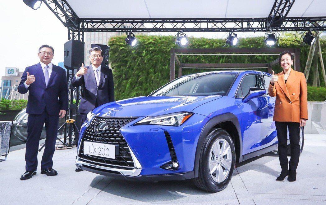 LEXUS UX正式在台發表,預計明年銷售上看四千台。 圖/和泰汽車提供