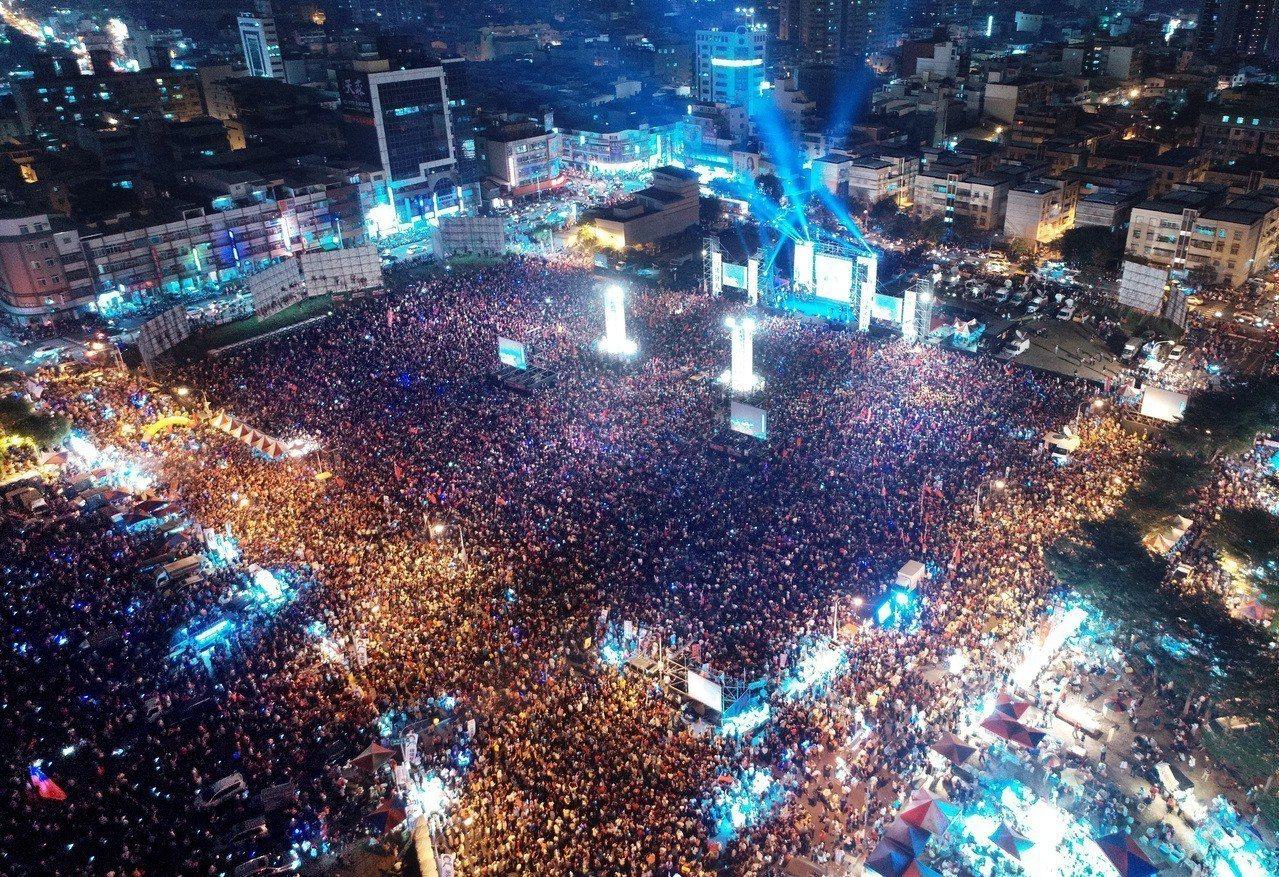 國民黨主席吳敦義「大母豬」說法,引發軒然大波,韓國瑜覺得非常不適當。圖/聯合報系...