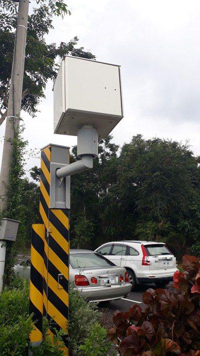 警方希望民眾了解會設立固定照相器,是因當地違規危險駕駛危害民眾安全已相當嚴重。記...