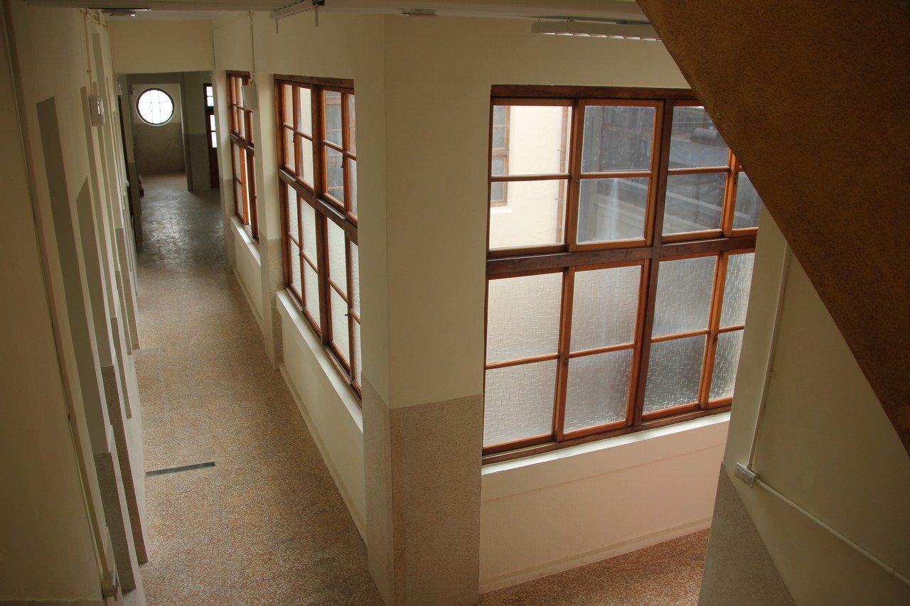 彰化縣縣定古蹟彰化鐵路醫院(原高賓閣)已修復完工,高賓閣在日治時期是建築前衛、還...