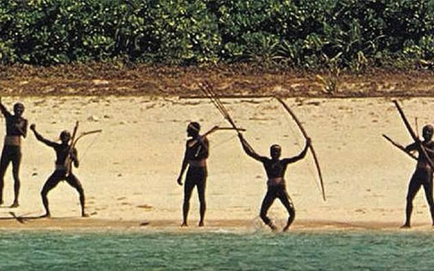 「北森蒂納爾島」島上原住民是安達曼群島中最排外的一支原始部落,對任何外來者都抱持...