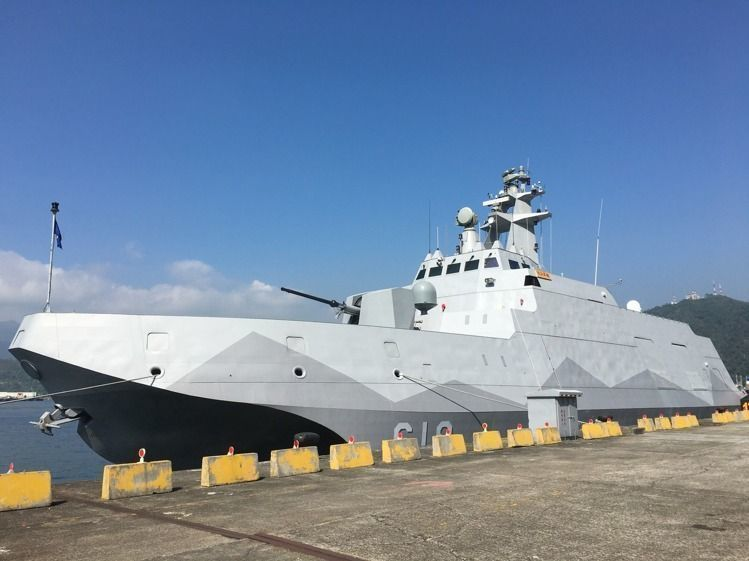 針對計畫中籌建12艘海軍沱江級600噸級巡防艦、且於109年就要開始交付的海巡造...