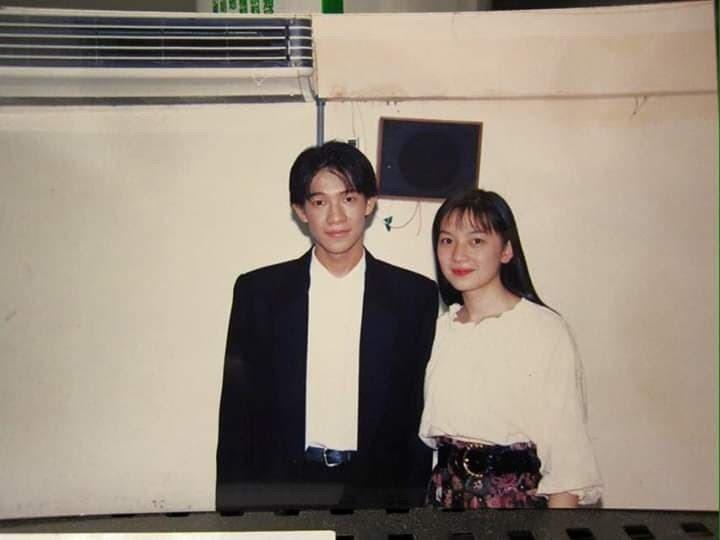 徐展元和谷懷萱大學時的青澀模樣。圖/摘自臉書