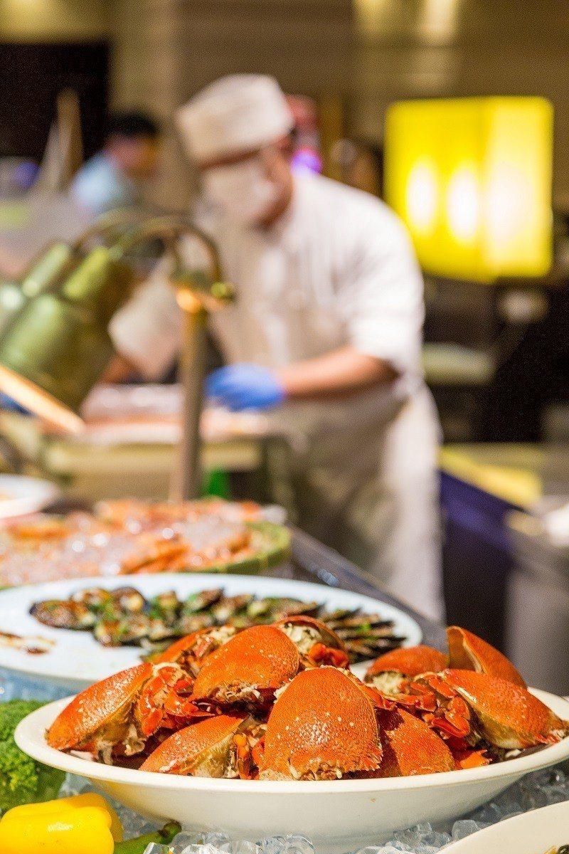 六福客棧福園平日自助餐券每人只要467元。圖/六福旅遊集團提供