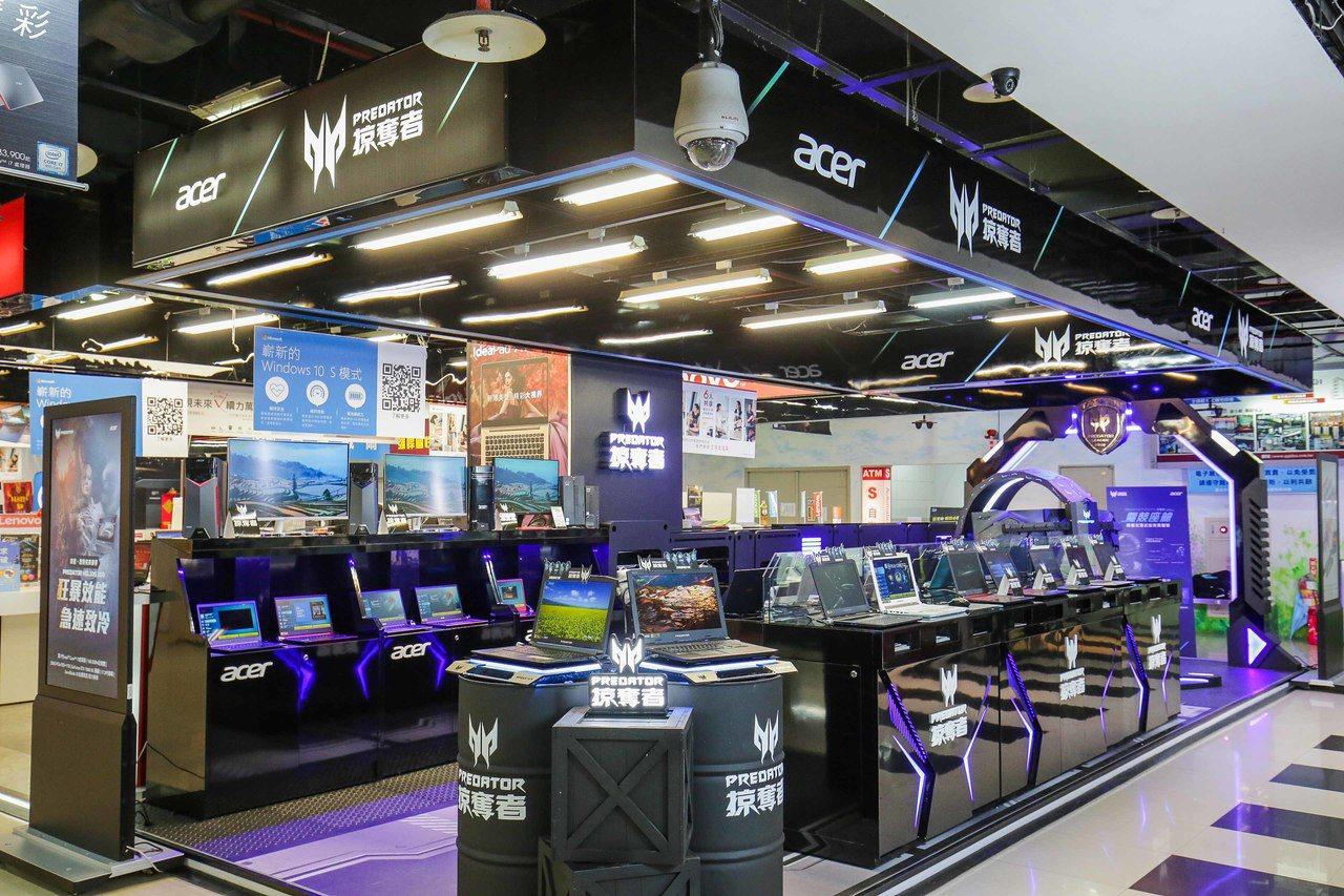 宏碁從11月開始陸續建置「Predator掠奪者」電競專售店,首家已正式在光華新...