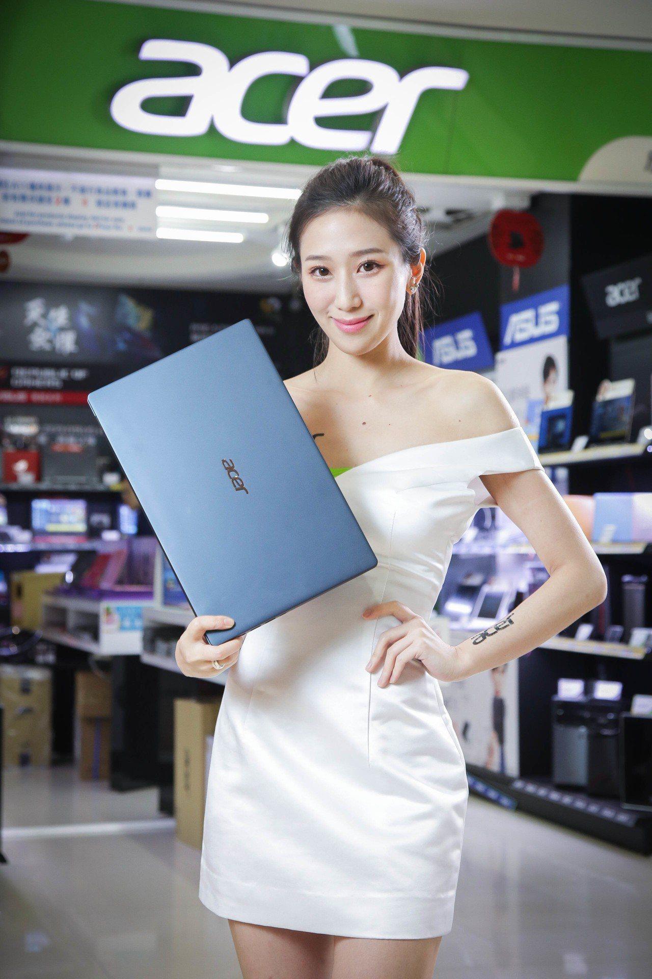 Acer Swift 5超輕薄筆電,資訊月新品開賣,建議售價43,900元。圖/...
