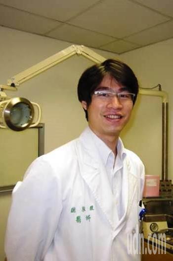 台大醫師謝敦理是耳鼻喉科專科醫師,也是梅尼爾氏症病友,因此更能理解患者感受。圖/...