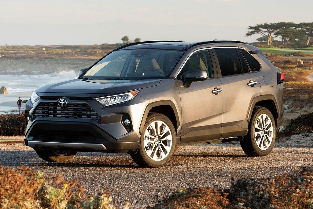 自美規開始、歐規也在近期公布全新第五代Toyota RAV4相關資訊,日規車型則...