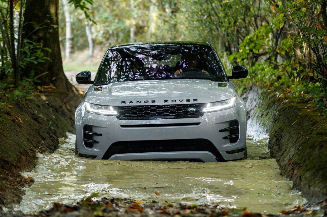 新世代Range Rover Evoque的涉水深度從上一代的500mm提升至6...