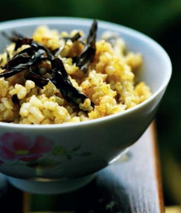 紅茶糙米飯。