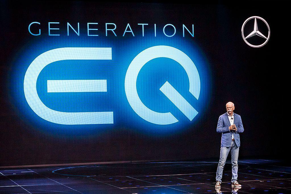 德國豪華車廠賓士2016年成立EQ電能子品牌外,更發展出EQ Boost(輕度複...