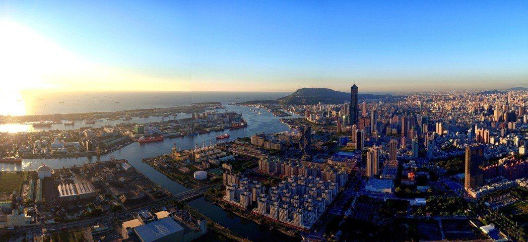 亞洲新灣區是全高雄市投入最多公共建設的特區,也是高雄一線豪宅的聚集地。