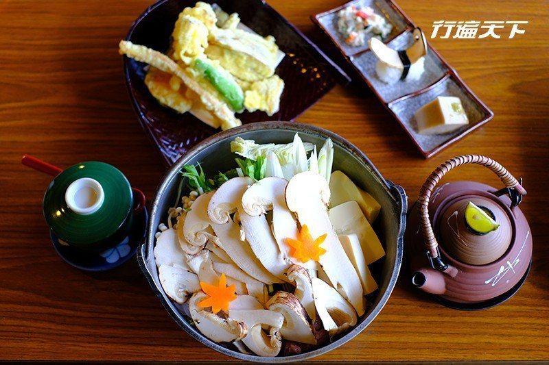 季節限定的松茸火鍋套餐讓人受滿滿秋意濃。 攝影|行遍天下