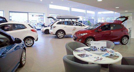 金融專家為甚麼會恨汽車?買新車是最糟的決定?