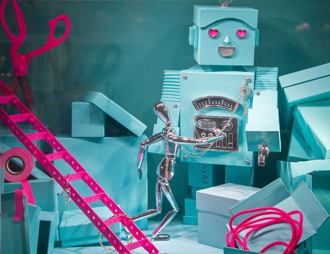 Tiffany 節慶櫥窗重現60年代金屬人偶,充滿童趣。圖/Tiffany提供