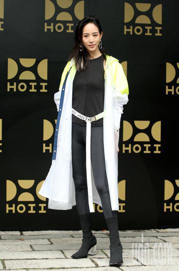 防曬品牌HOII今天舉行發表會,藝人張鈞甯、明道、黑人陳建州等人受邀出席。