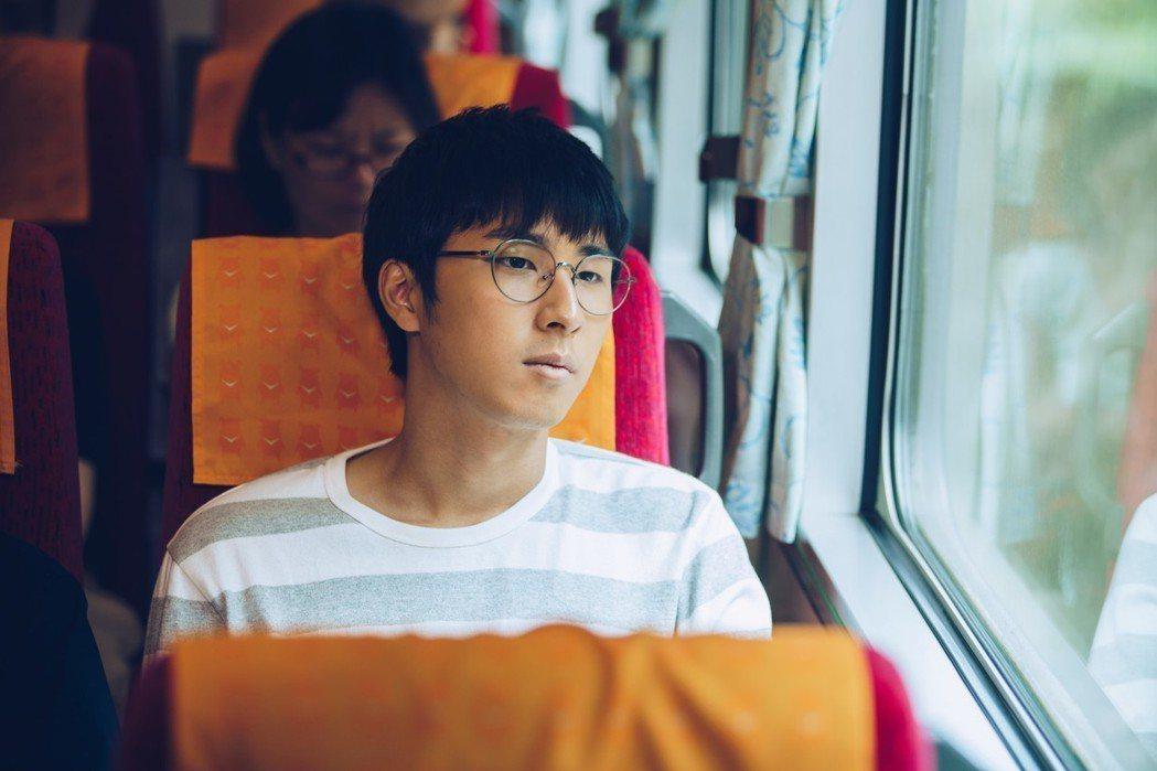 胡釋安演出「20之後」,23歲的他今年才是首投族。圖/公視提供