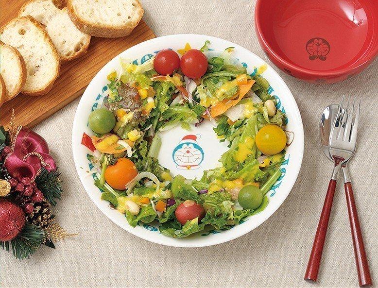充滿哆啦a夢元素的碗盤。圖/擷取自日本郵便のネットショップ官網