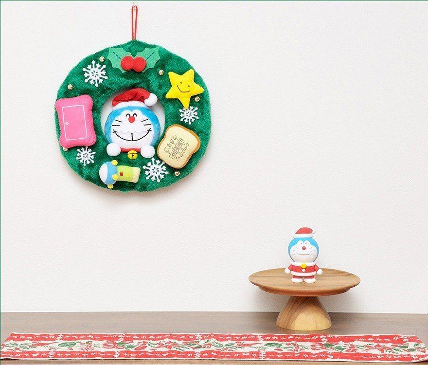 聖誕系列中,可選擇哆啦a夢的掛飾或聖誕老人。圖/擷取自日本郵便のネットショップ官...