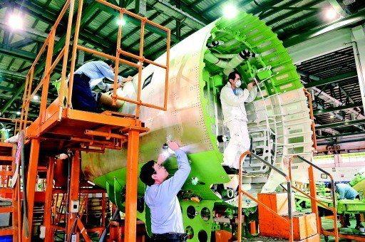 受惠於轉單效應,經濟部23日指出,10月工業生產指數116.38,年增率8.25...