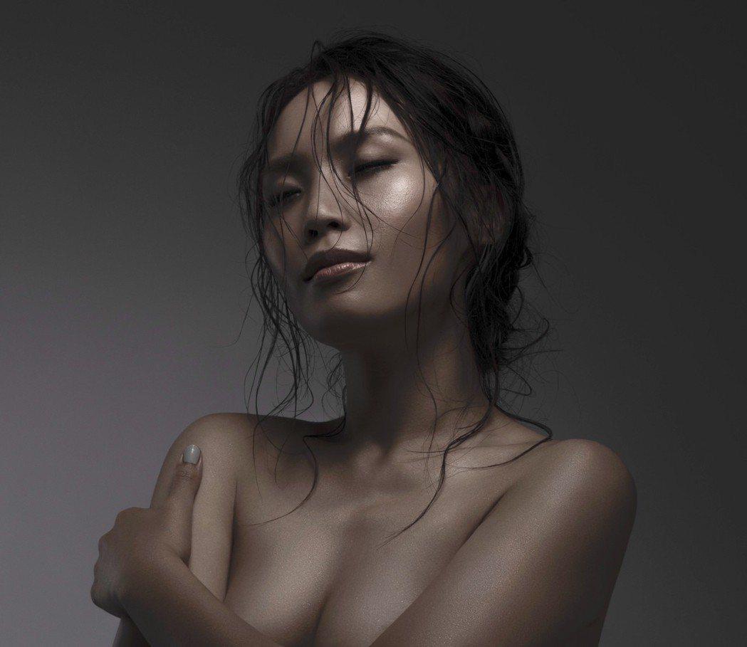 呂薔全裸入鏡。圖/愛貝克思提供