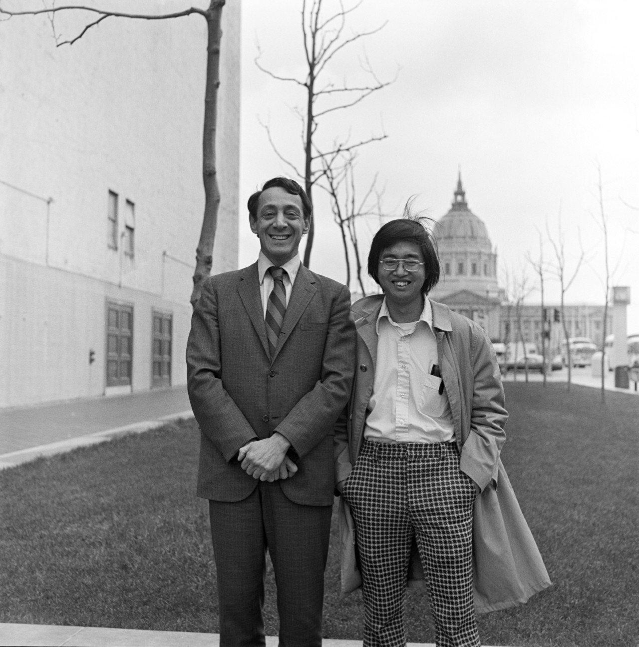 米爾克團隊裡的華人Michael Wong(圖右)。 世界日報記者李/翻攝