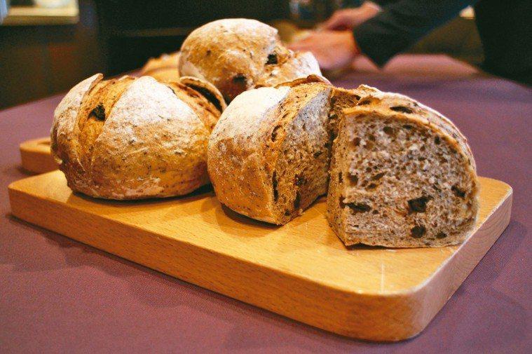 伯爵酒釀葡萄麵包。 照片/記者吳姿賢攝影