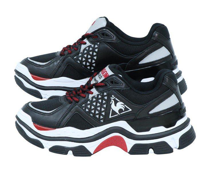 Le coq Dragon Maxxixl老爹鞋款,4,890元。圖/滿心提供