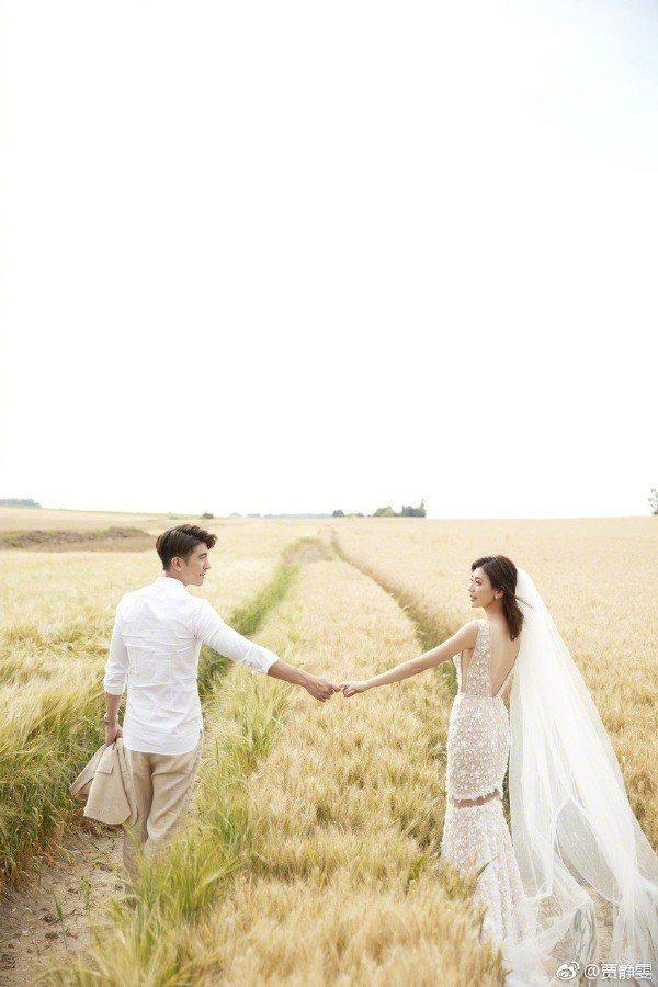 日前曝光婚紗照早已讓粉絲期待不已。圖/摘自微博