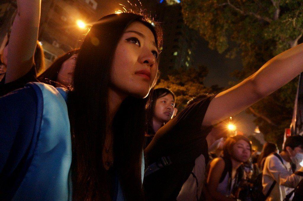 2014年11月29日,連勝文競選台北市長落敗,晚上在競選總部觀看開票的支持者從...