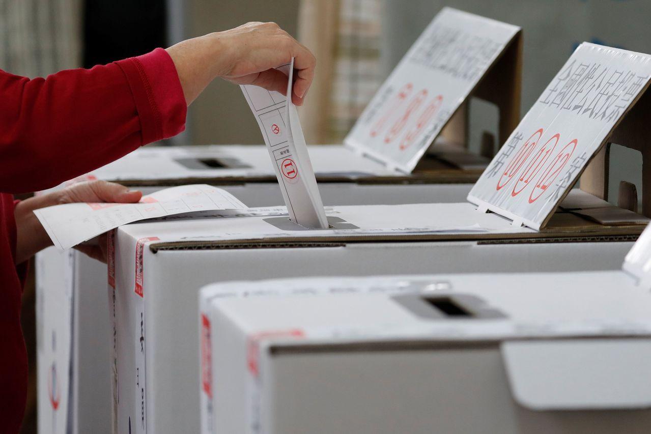 外媒認為,蔡英文接下來要做選民認為對的事件,2020年總統大選才有勝算。路透