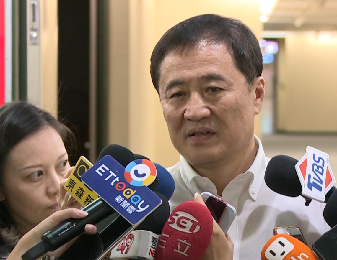 民進黨籍台北市副市長陳景峻表示,「白綠是朋友,不是敵人」,有誤會大家應坐下來溝通...