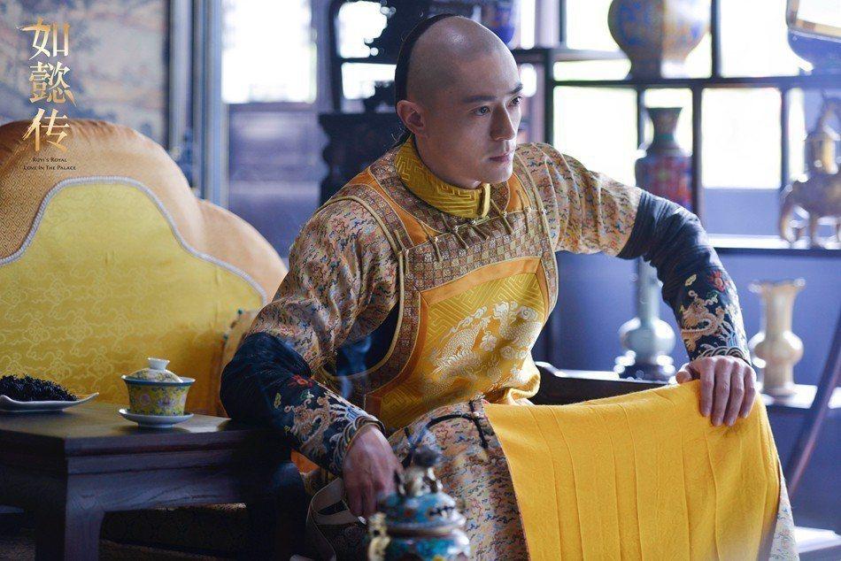 霍建華在「如懿傳」中飾演乾隆皇,身為帝王有強烈的孤獨感。圖/緯來戲劇台提供