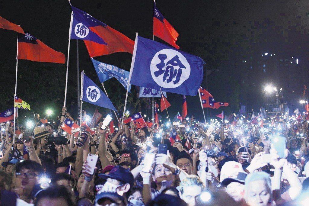 韓國瑜在選戰中掀起韓流狂潮,每一場造勢都吸引滿滿選民到場力挺。 圖/聯合報系資料...