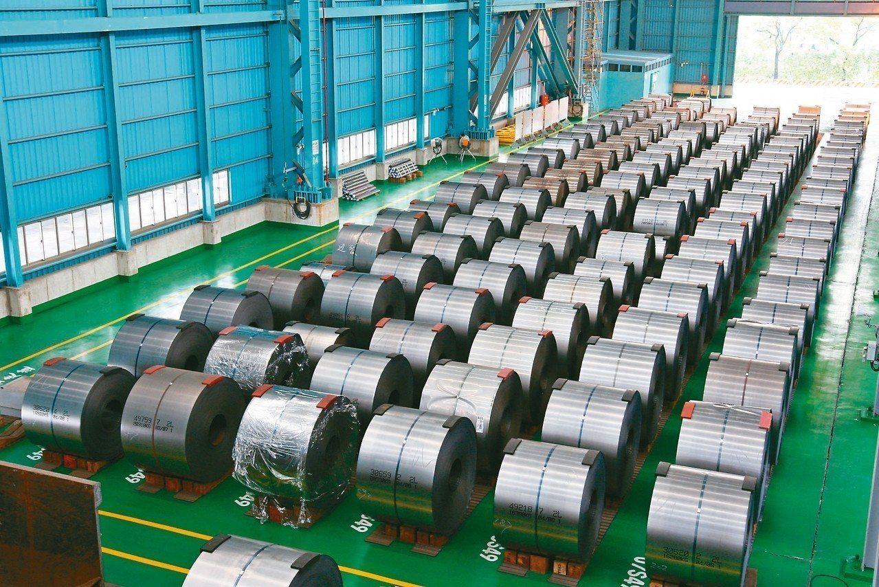 中鋼公司雖然前10月獲利頻創新高,但因美中貿易戰再添變數,估計11月獲利難再創新...