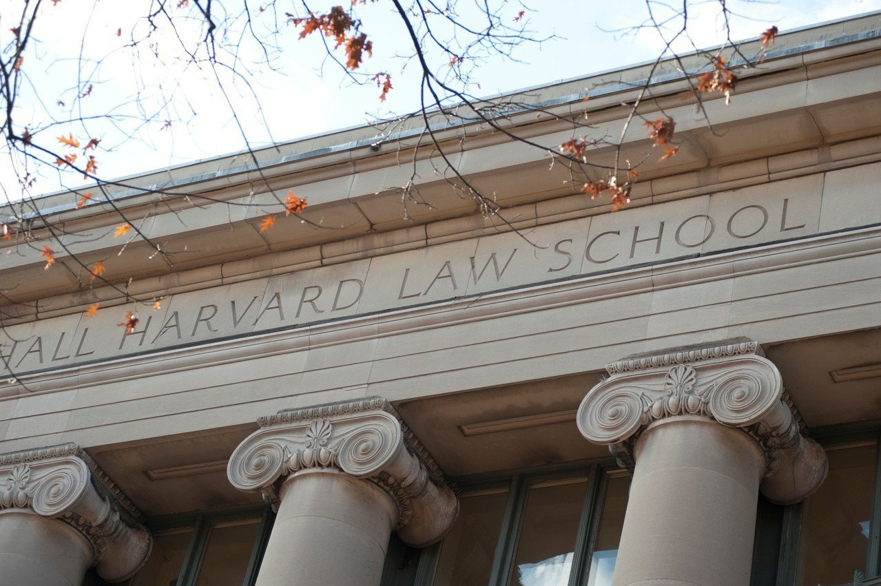 亞裔告哈佛招生歧視案在波士頓聯邦法院審理尚未結束,原被告雙方早已做好打到最高院的...