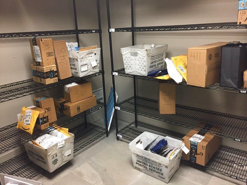 網購星期一,包裹偷盜高發,紐約市警:正式進入年末節日季犯罪高峰。 圖/美聯社