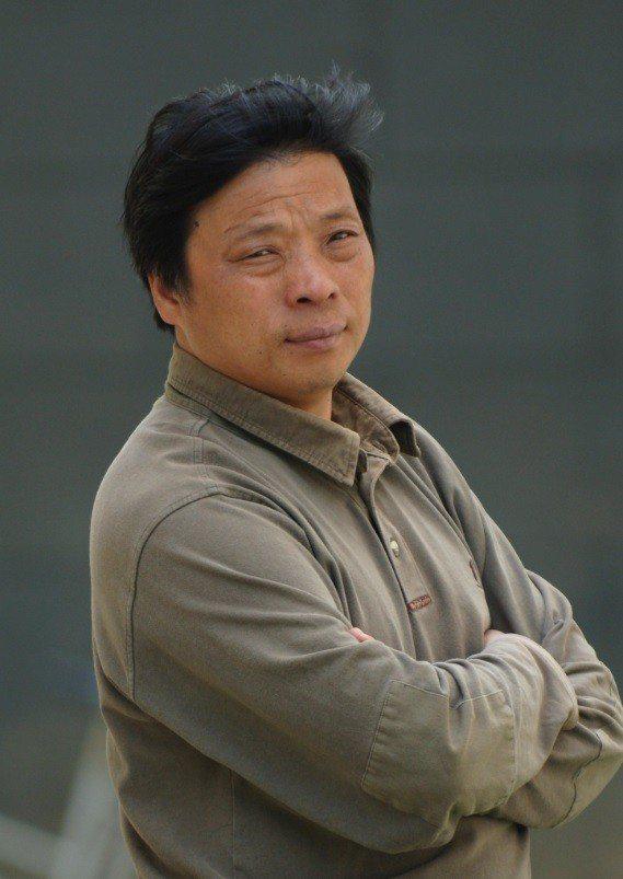 盧廣妻子徐小莉在推特上表示,盧廣與朋友在烏魯木齊被當地國保帶走。 圖擷自徐小莉推...
