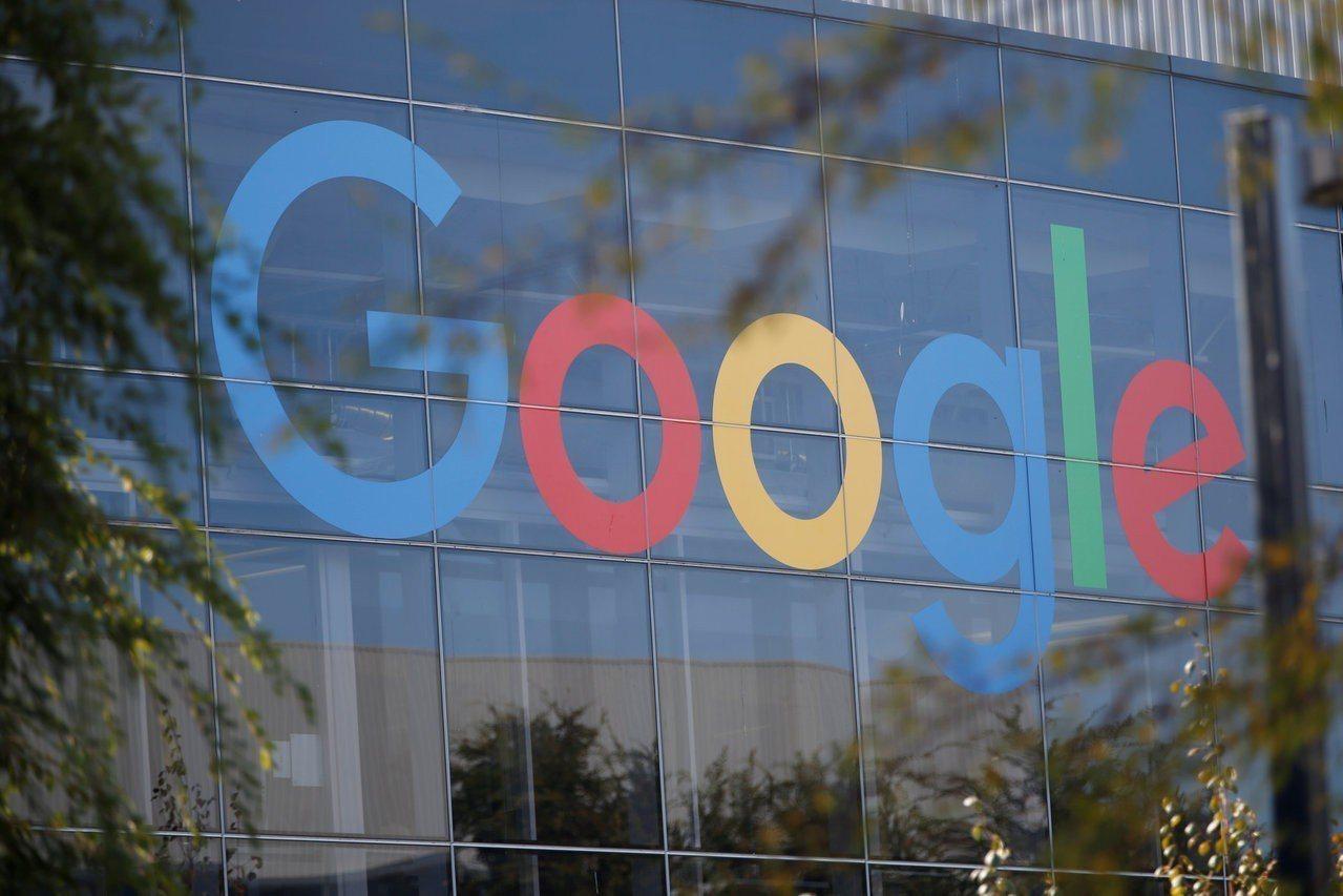 谷歌(Google)將推出類似廣播的隨選語音新聞服務,能透過智慧喇叭收聽,並藉助...