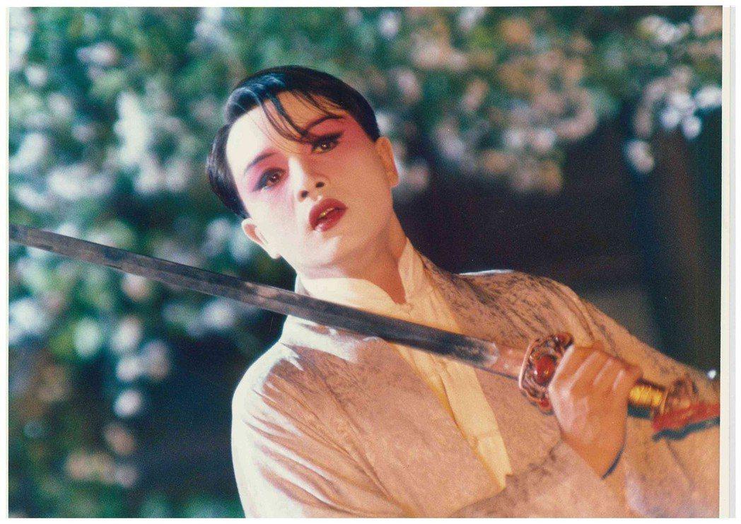 電影「霸王別姬」上映25週年,也是主演其中靈魂角色「程蝶衣」的張國榮逝世15週年...