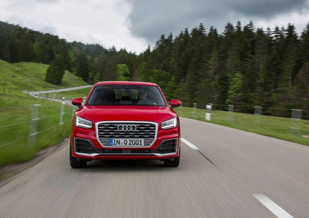 Audi Q2精彩無限版標配S Line運動化外觀套件。 圖/台灣奧迪提供