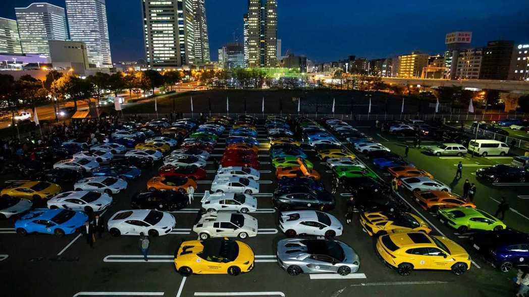 會場來了超過200輛以上的Lamborghini。 摘自Lamborghini