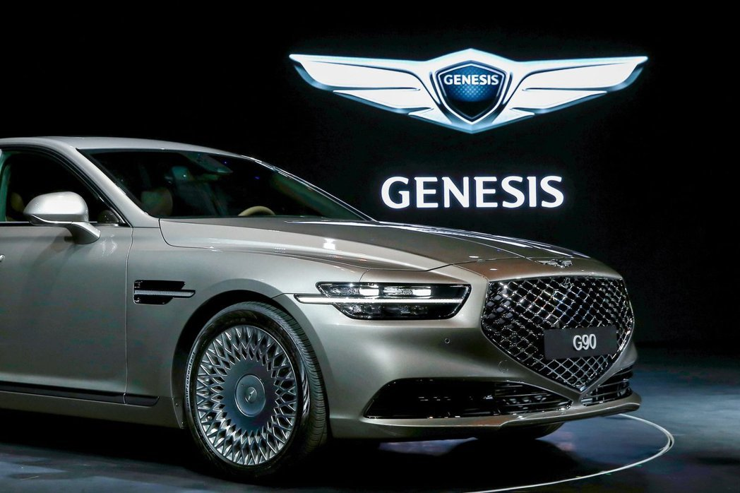 Genesis發表自家旗艦豪華房車G90的小改款式樣。 摘自Hyundai