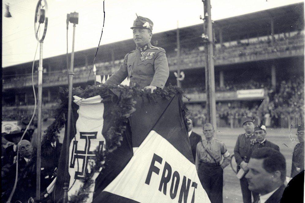 變成法西斯就不怕納粹了?圖為奧地利強人多爾夫斯。 圖/維基共享