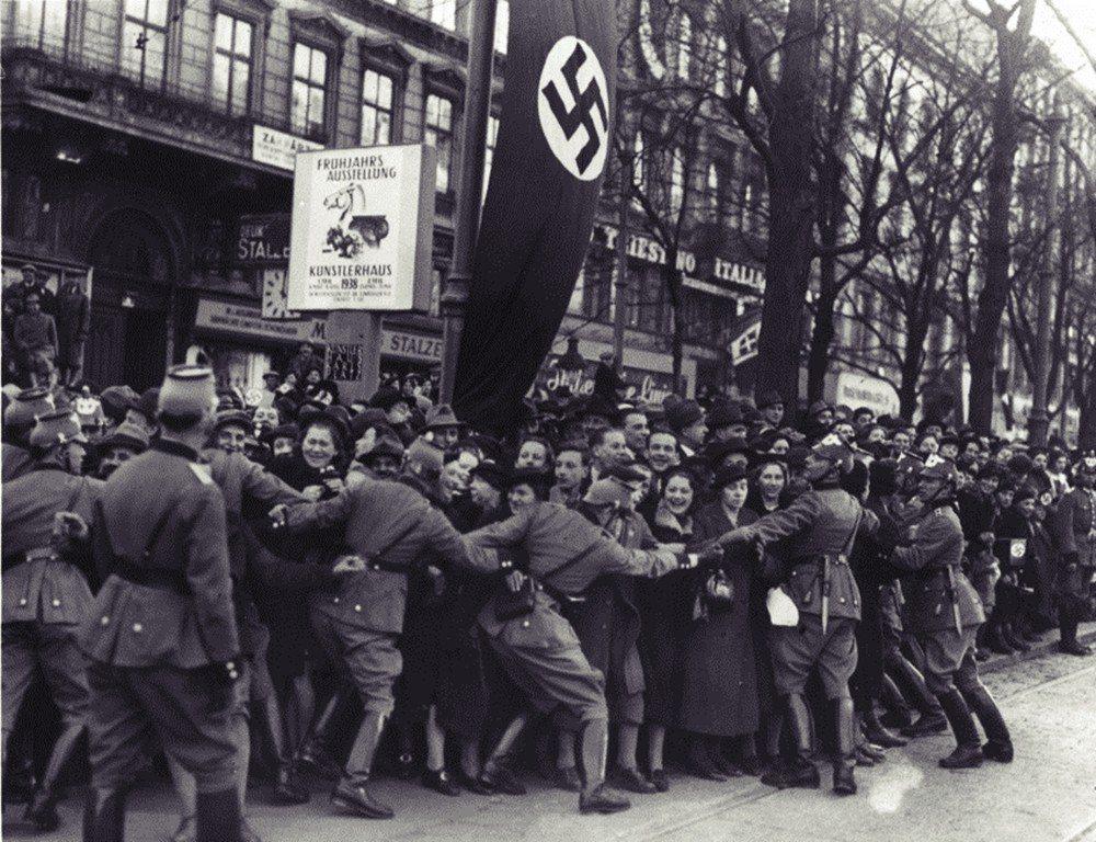「你敢公投,我就武統——認同德意志的奧地利鄉親也不會原諒你的!」 圖/美聯社
