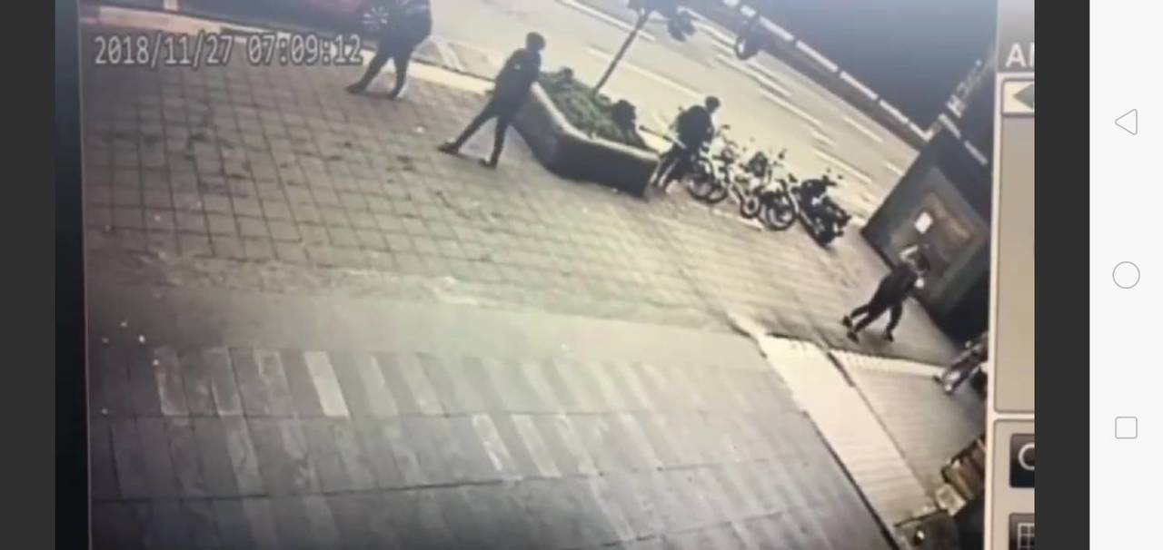 傅姓男子遭人毆打開槍。記者廖炳棋/翻攝
