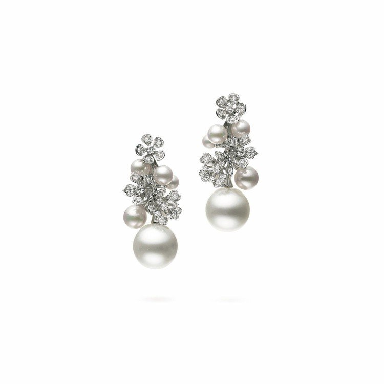 李春媛配戴的MIKIMOTO BLOOM Collection南洋珍珠搭日本Ak...