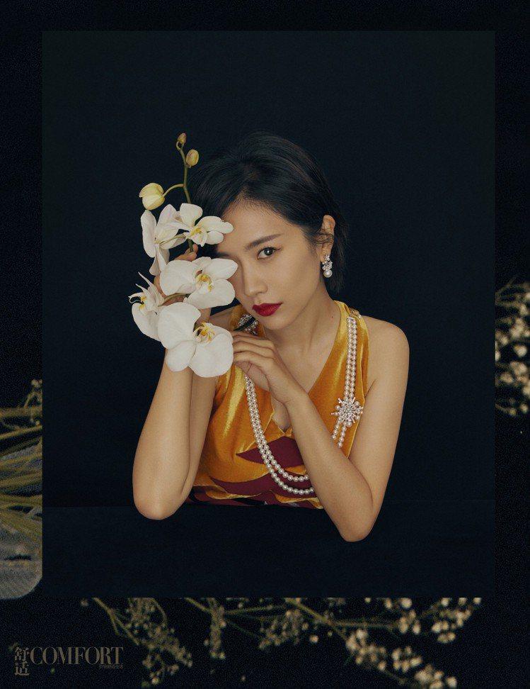 在電視劇《延禧攻略》當中飾演舒妃一角的女星李春媛,配戴MIKIMOTO珠寶作品拍...